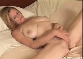mature trailer trash amateur with big tits plays